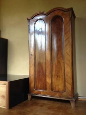 m bel sind wie lederhosen. Black Bedroom Furniture Sets. Home Design Ideas